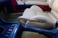 El asa del asiento del copiloto es práctica y original.
