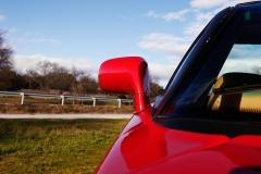 Los retrovisores son del Ferrari 288 GTO.
