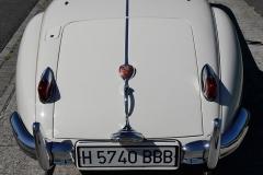 El logo sobre el portón del maletero hace referencia a sus victorias en Le Mans.