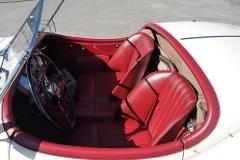 Los asientos tipo baquet eran opcionales, de serie tenía un asiento corrido.