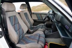 Los asientos Recaro sujetan muy bien.