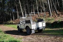 El Land Rover es un coche descapotable...