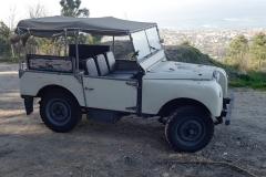 El Land Rover de 80 pulgadas tiene unas dimensiones muy compactas.