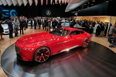 El Mercedes Vision Maybach looks similar to the 540K autobahnkourier from 1936
