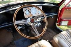 El volante de madera original firmado por Artés.