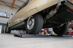 El coche se pesa eje por eje.
