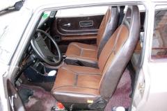 Los asientos conservan su tapicería original.