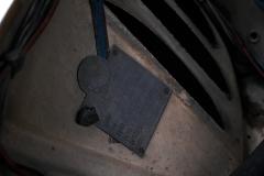 Esta placa precintada identificaba al primer propietario de este Seat.