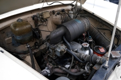 El motor es 100% original.