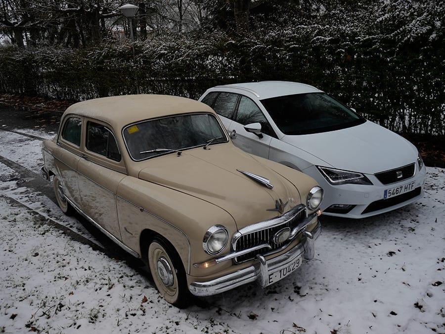 El primero y el último modelo de Seat producido juntos en una comparativa.