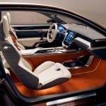 Las texturas y colores del interior invitan a sentarse en él.