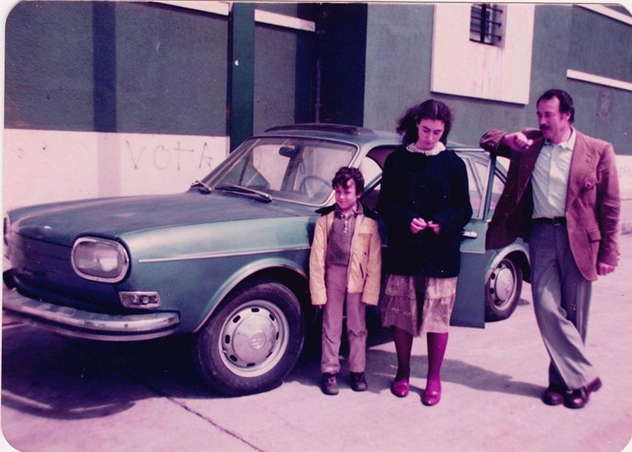 Así se veía el VW 411 frente a la aduana la primera vez que lo vi en 1982.
