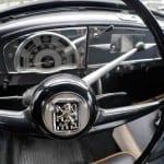 En los coches clásicos la conducción requiere atención permanente.