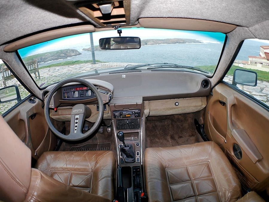 El interior del CX es confortable y original.