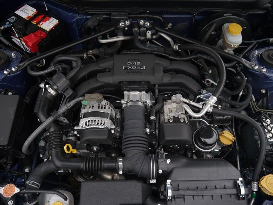 Motor 4 cilindros Bóxer del Subaru BRZ.