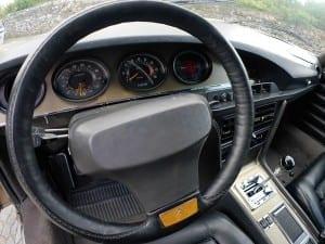 El volante no es redondo.