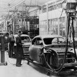 Imagen de la cadena de producción de Saab en los años cincuenta.