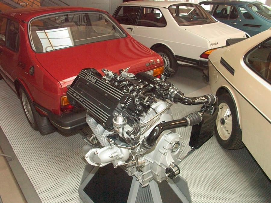 Saab fue la pionera en apostar por mecánicas compactas sobrealimentadas, 30 años antes de que todas se sumasen al