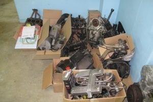 Todas las piezas listas para la limpieza e inspección.
