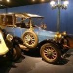 El museo está abarrotado de coches excepcionales.