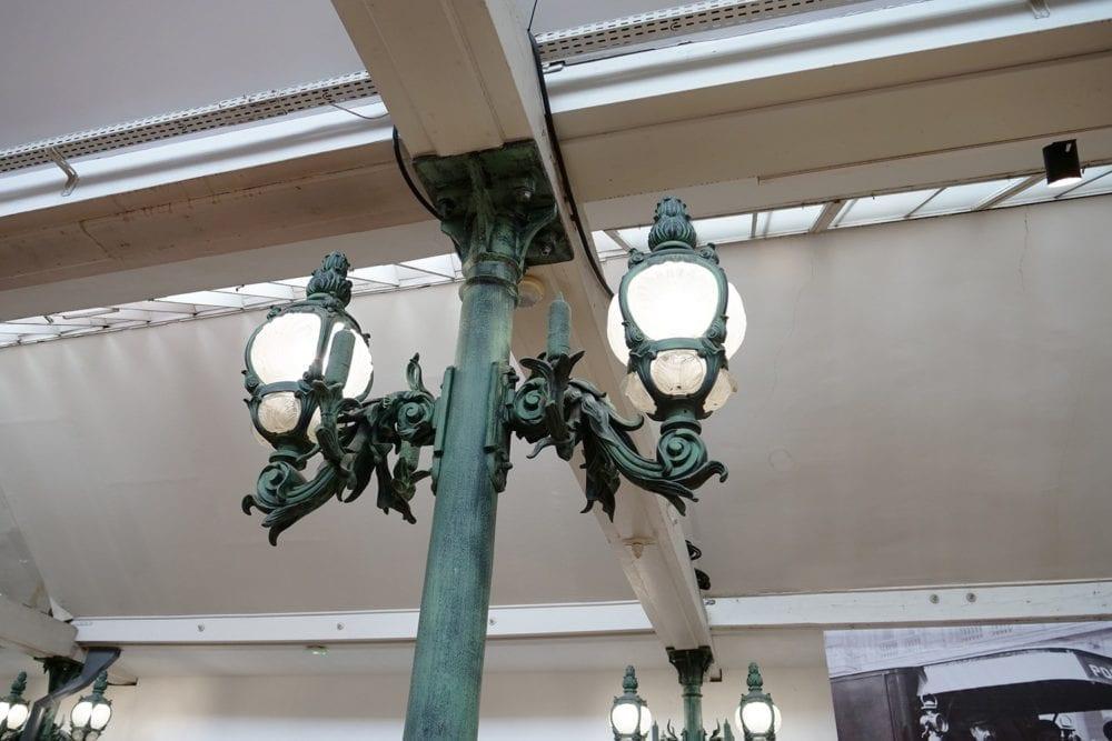 Los Schlumpf se enamoraron de las farolas del puente parisino de Alejandro III.