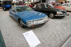 Algunos de los coches expuestos fueron usados a diario por los Schlumpf.