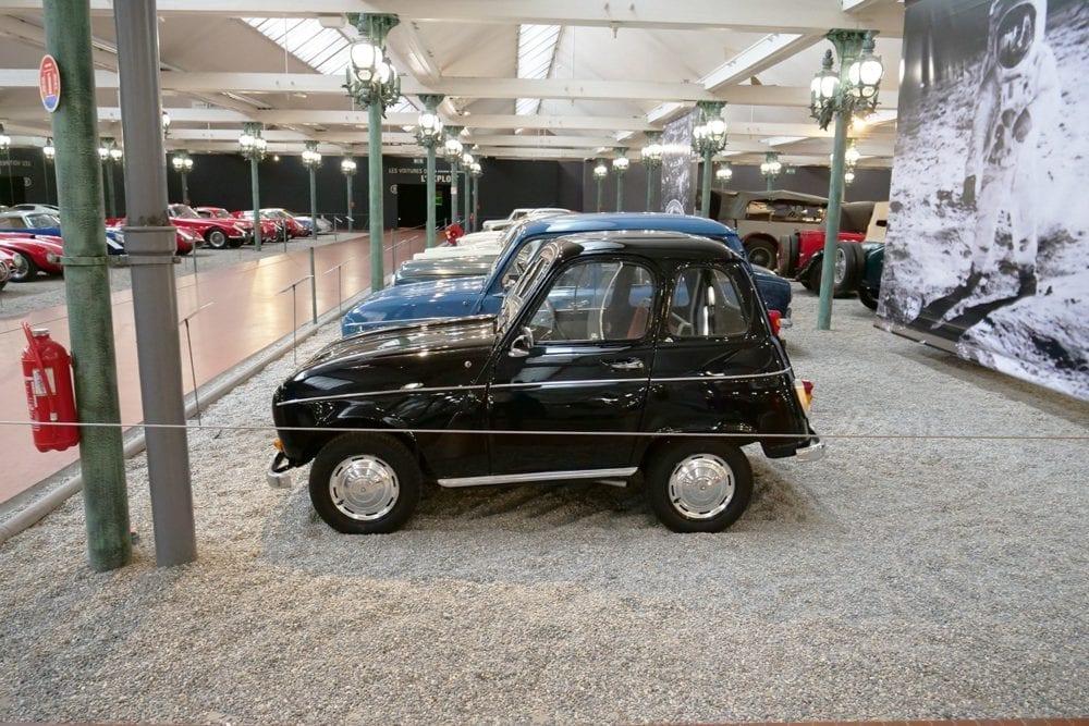 Este Renault 4 es sólo una de las piezas tan singulares que puedes ver en este formidable museo.