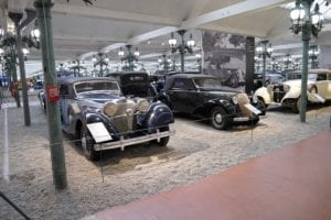 Mercedes y Steyr.