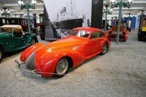 Preciosa estampa de Alfa Romeo 8C.