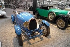 Como no... Bugatti.
