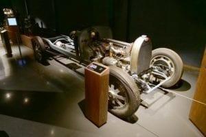 Este chasis de Bugatti deja a la vista sus secretos.