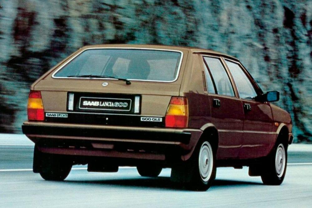 El Lancia Delta contó con Saab para adaptar la plataforma del Ritmo.