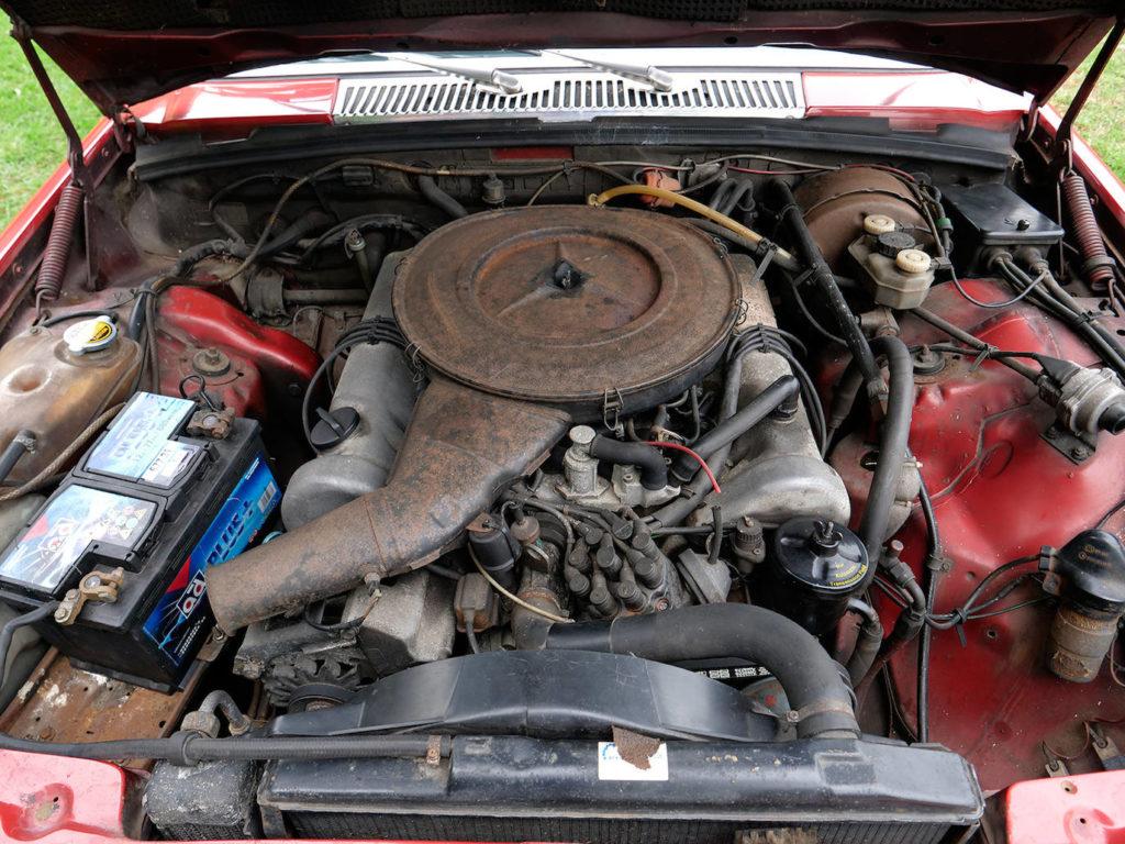 Cambiar las mangueras de aire y de gasolina es vital para evitar arruinarnos con la D-Jetronic.